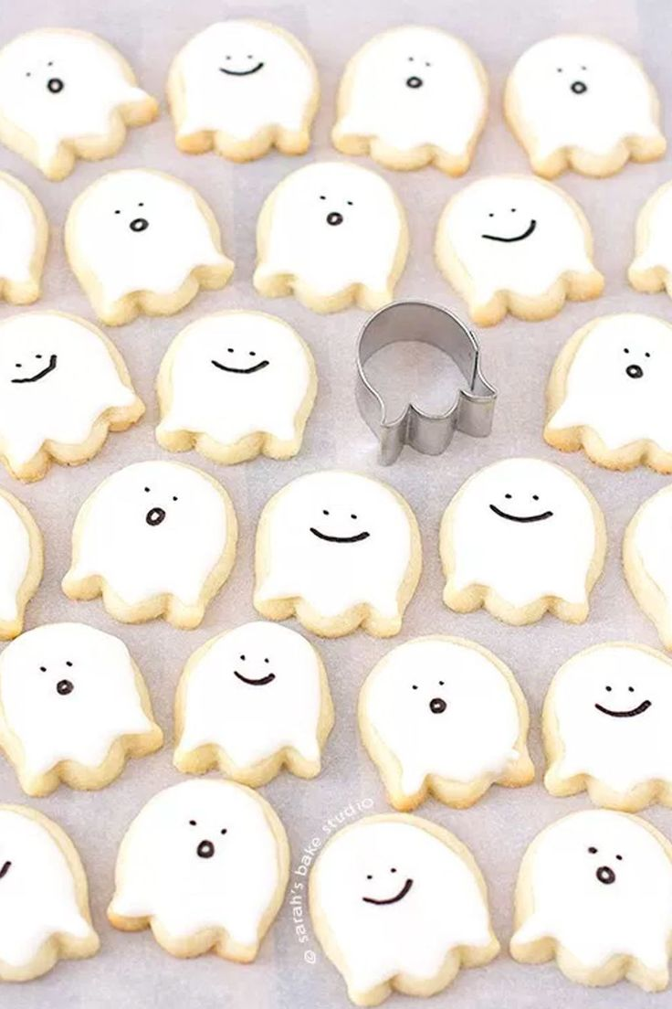 Happy Ghost Sugar Cookies - WomansDay.com