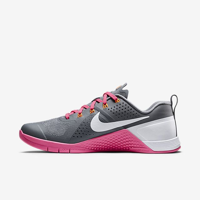 find nike shoes