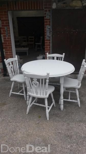 Beautiful hand painted kitchen table and four chairs with Annie Sloan chalk paint#xtor=CS1-41-[share]