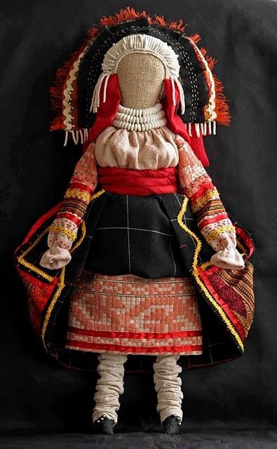 Елизавета Нечипоренко. Кукла в костюме крестьянки 18 века