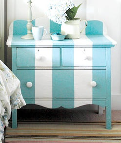 Love these colors! This would look great in so many different rooms!