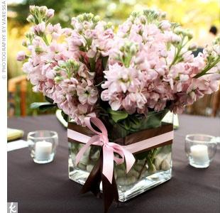 Centro de mesa quadrado - decoração rosa e marrom