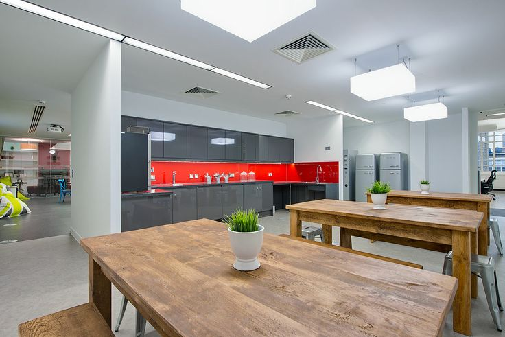 Tea point area in the heart of London. A 15,000 sq ft