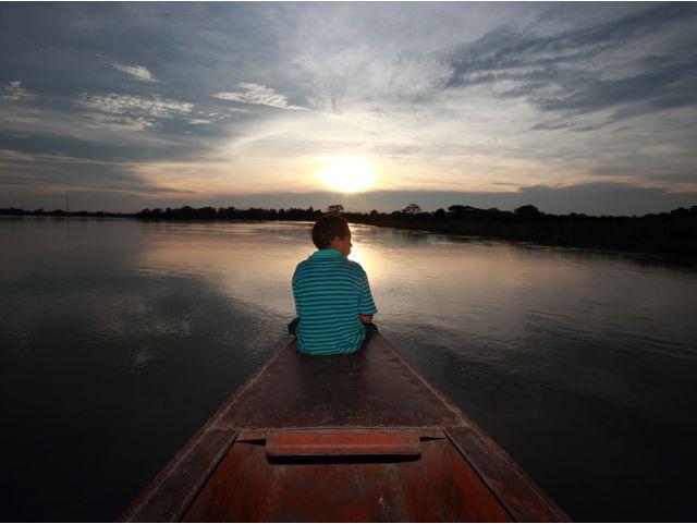 Viajar por el rio a remo