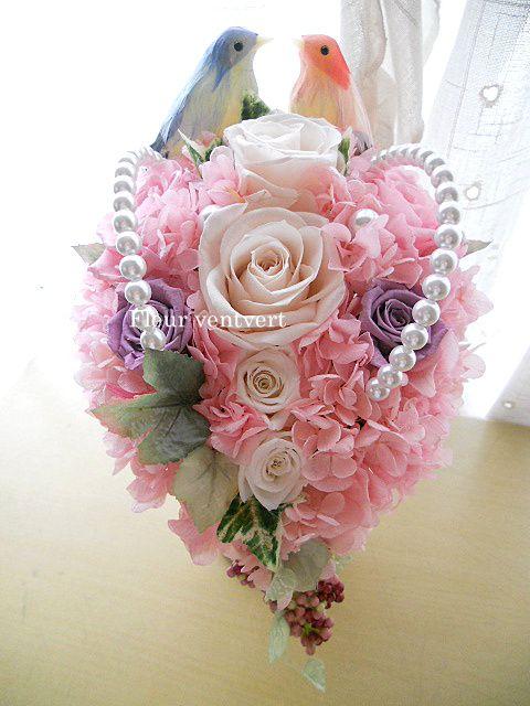 取引先のご子息の結婚祝いに贈るプリザーブドフラワー