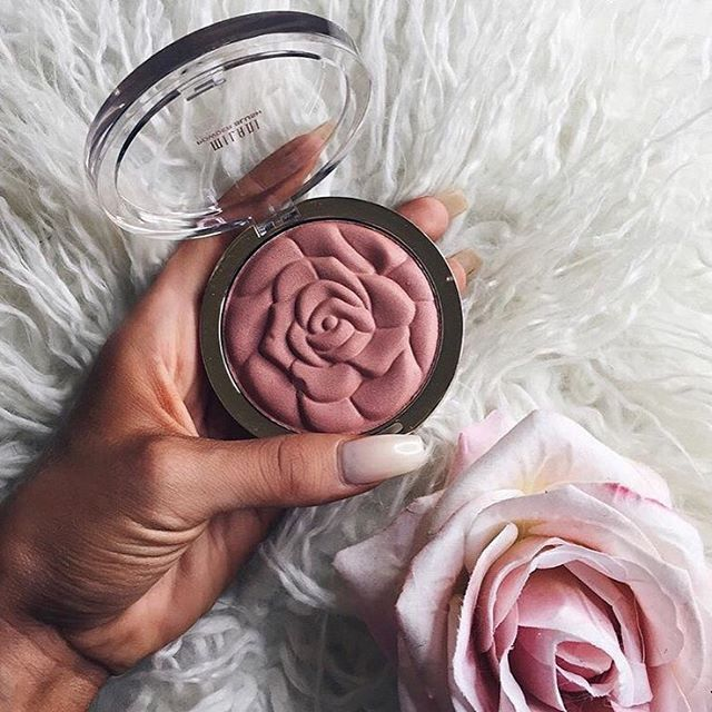 Pinterest; Kingvikki†❤️ i really want this like this is a must have  #makeup #rose #rosegold # blush