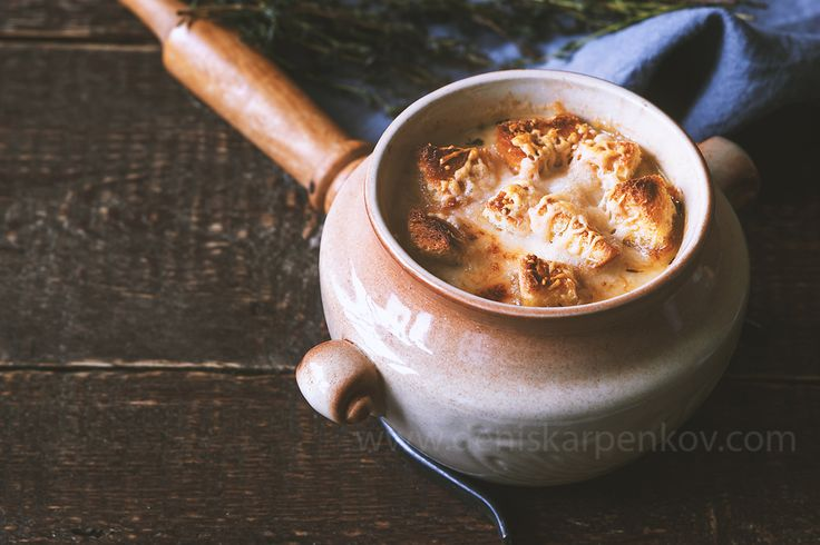 #Onion #soup in a #pot on the #Shutterstock: https://www.shutterstock.com/ru/pic-517916518/stock-photo-ceramic-pot-with-onion-soup-on-the-wooden-table-horizontal.html?src=XNOP9riqiXW2oJXgFeLD9A-1-16