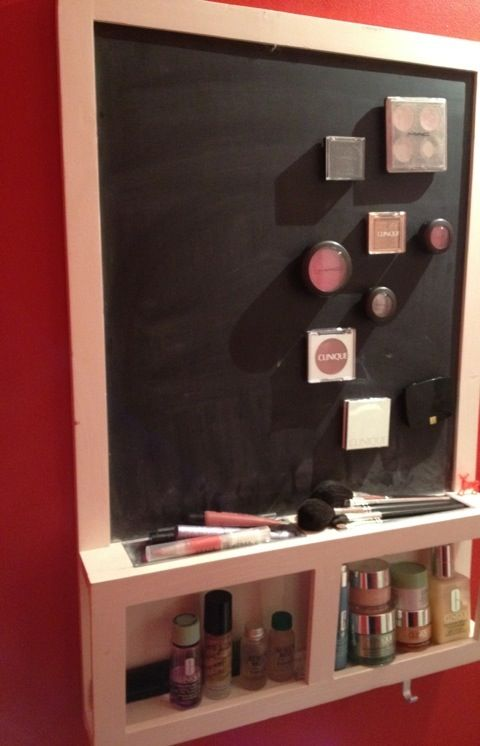 Magnetic Makeup Board using an Ikea chalkboard - extra storage space for your other cosmetics!