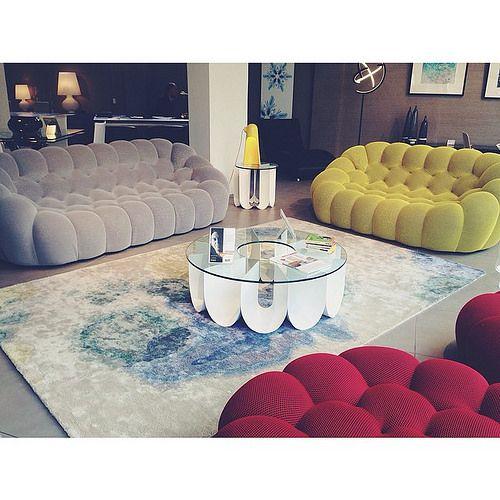 Nuestra nueva colección ya está disponible en la tienda, que te parecen nuestros sofás Bubbles?   by Roche Bobois Venezuela   Design Sacha Lakic for Roche Bobois 2014 www.lakic.com
