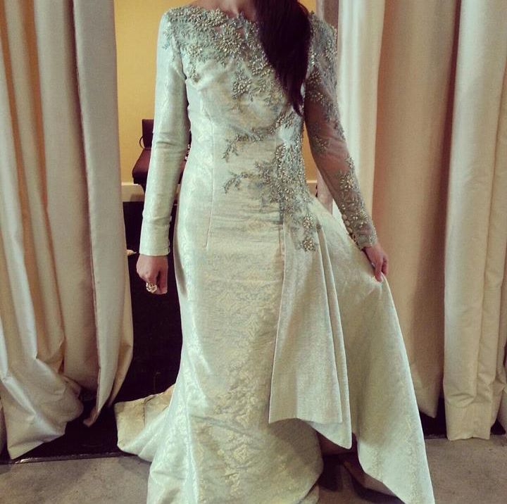 Another Syomir Izwa's Songket dress. So pretty! <3
