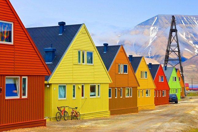 Le sei città più colorate del mondo.   Vivaci e pittoresche: sono le città più colorate del mondo.  Classifica stilata da Skyscanner        ...