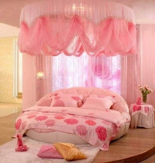 Round bed canopy in pink pink pinterest round beds for Bedroom designs round beds