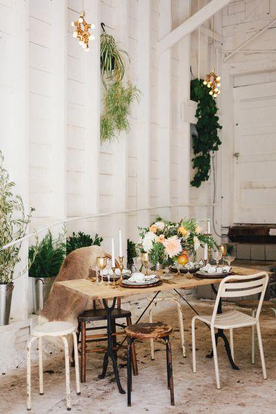 Rustic boho table: Photography: Maraluce - www.MadamPaloozaEmporium.com www.facebook.com/MadamPalooza