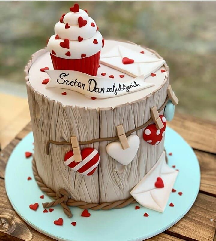 "CAKEBAKEOFFNG BLOG on Instagram: ""BEAUTIFUL Valentine Cake 😍😍😍 Cukerl…"