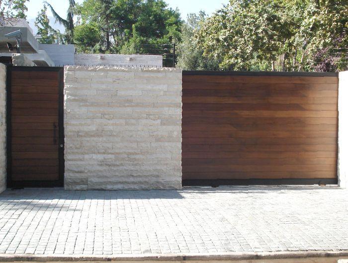 Portones / Puertas interiores / Puerta celosía