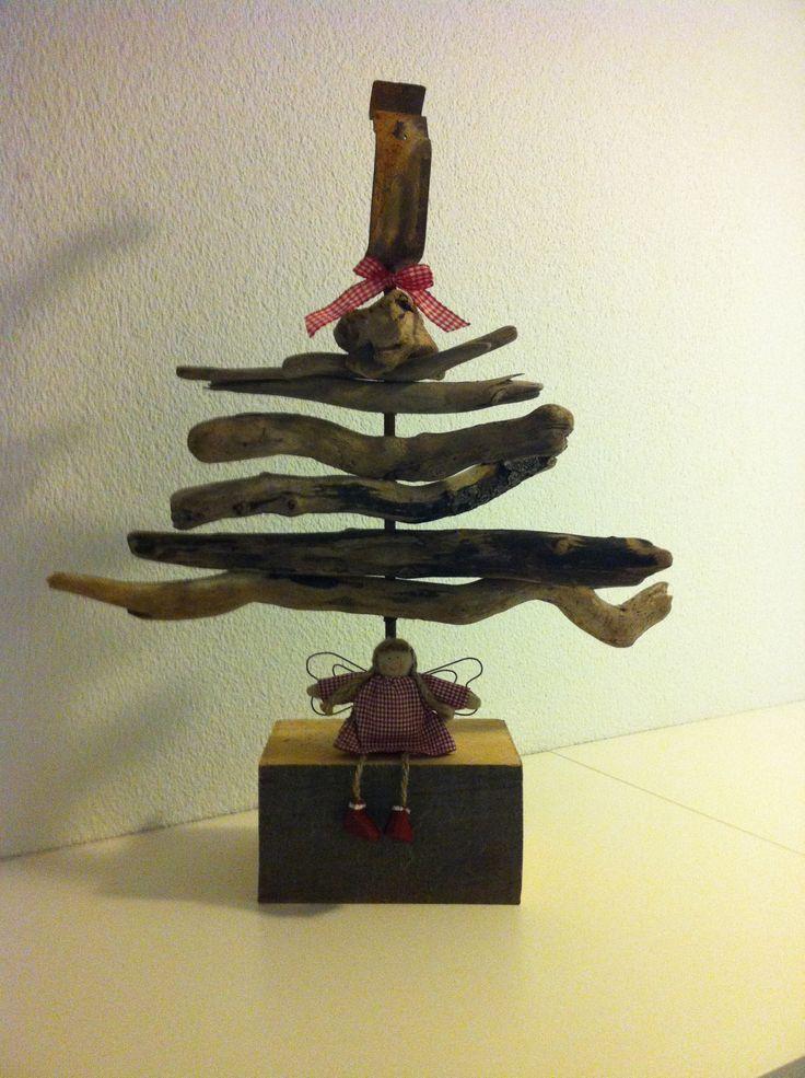 fertig geschm ckt mehr braucht 39 s nicht weihnachtsbaum. Black Bedroom Furniture Sets. Home Design Ideas