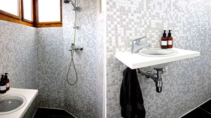 Salle de bains mosaïque blanche et grise Péniche Amsterdam Penny