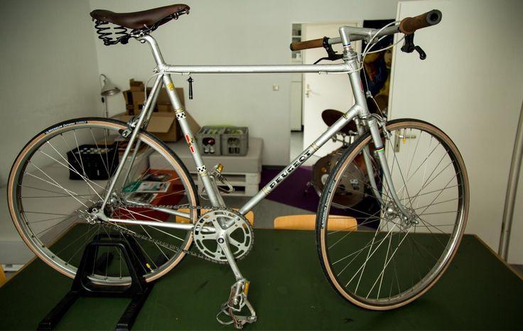 die besten 25 peugeot fahrrad ideen auf pinterest eingeschwindigkeitsfahrrad fahrrad mit. Black Bedroom Furniture Sets. Home Design Ideas