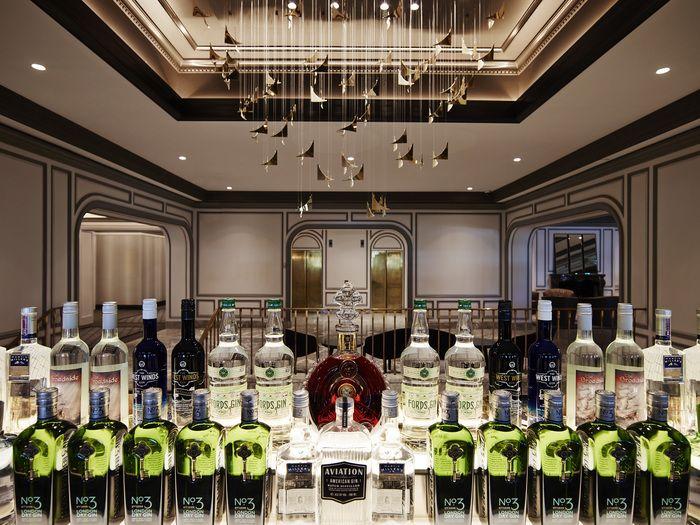 https://i.pinimg.com/736x/49/b3/77/49b377785180c447705418384f5f3d8f--gin-distillery-bar-restaurant.jpg