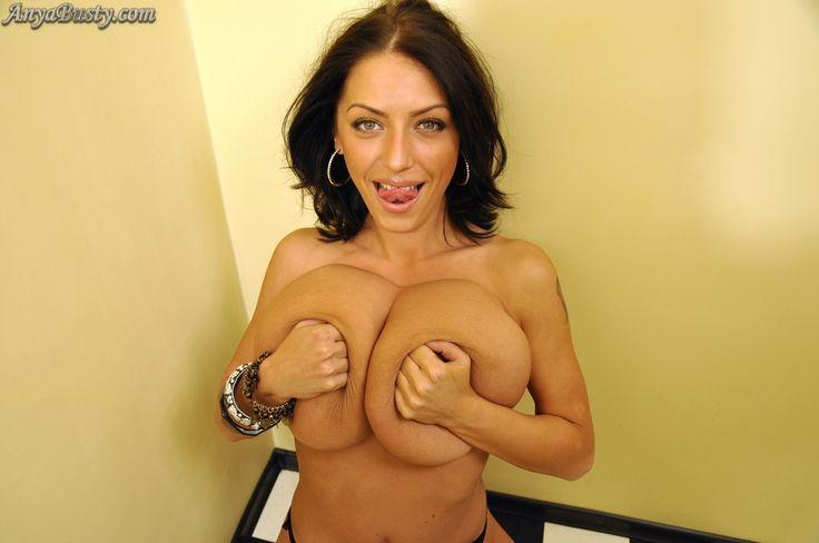 All anya sakova big boob pics auch ein Paar