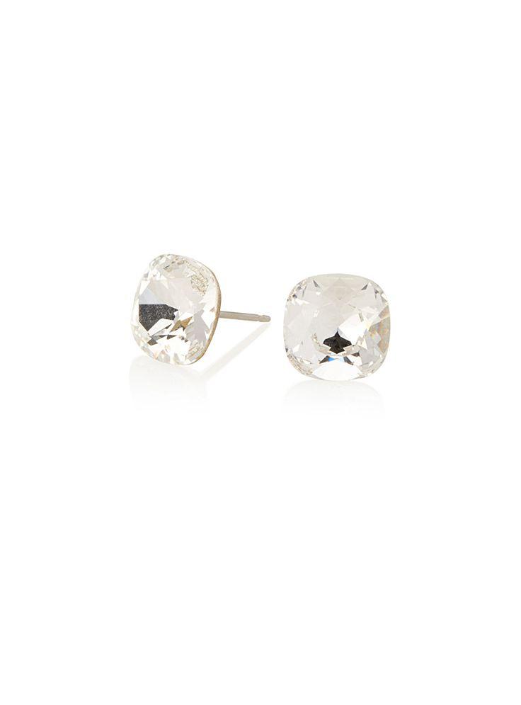 De petits cristaux Swarovski qui ajouteront une touche sophistiquée à vos tenues   Modèle hypoallergène   Fabriquées au Canada   Fermoirs à poussette pour oreilles percées