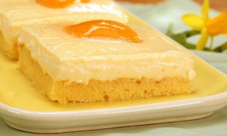 Spiegeleikuchen ist gerade zu Ostern ein beliebter Blechkuchen und erfreut sich auch sonst großer Beliebtheit. Rike zeigt, wie der saftige Kuchen gelingt.