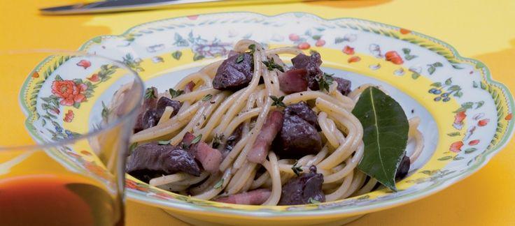 Spaghetti con lepre e pancetta