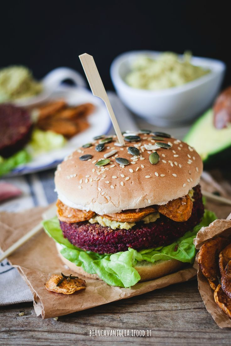 veg burger, barbabietola rossa  e bulghur