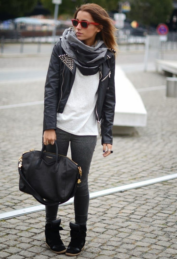 Fall Outfit With Black Leather Jacket,Handbag and Shades