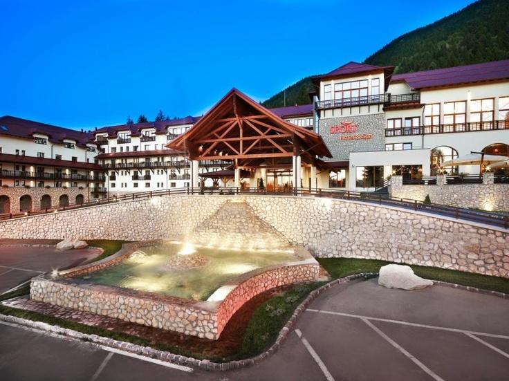 Intrarea principala in Hotelul Ana Sport