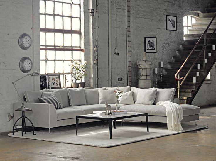 Furninova - Prisvärda kvalitéts soffor - Skandinavisk design | Store Blues är en serie av stilrena soffor för människor med ögon för detaljer och som värderar kvalité och stil mycket högt. Du väljer själv hur din drömsoffa skall se ut. Skapa din alldeles egna unika soffa där du kan välja bland olika material, former och färger. Skapa en 2-sits, 3-sits, hörnsoffa eller varför inte divansoffa? Önskar du mer komfort i din Blues-soffa finns det mjuka kuddar du kan komplettera med.