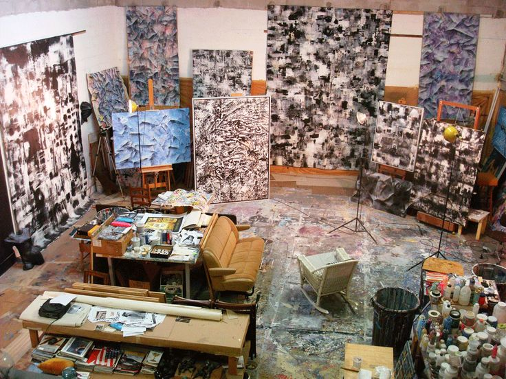 Skip Measelle's Studio - www.measelleart.com As a former student I was fascinated with his studio and always kept it in my mind as one of the most perfect studios to have. #pbsc