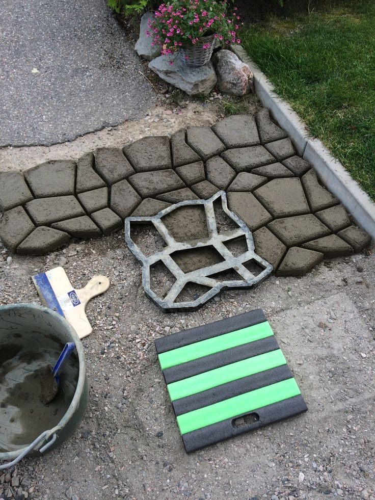 Diy driveway paving pavement mold patio concrete stepping - River stone walkway ideas seven diy projects ...
