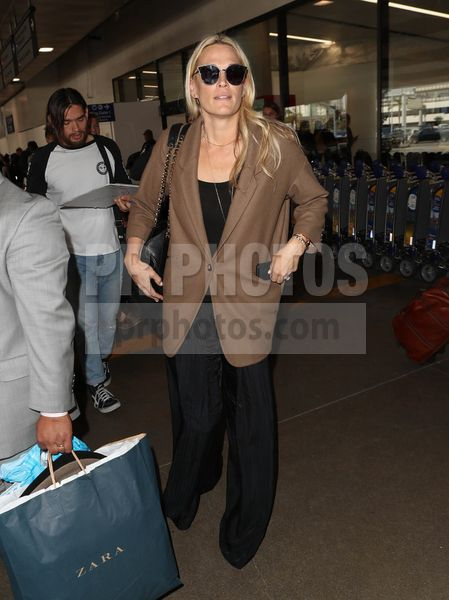 Molly Sims Sighted at LAX Airport in Los Angeles on October 19 2017