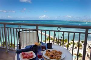 Aruba Aruba Palm Beach  Luxe appartementen met een volledig ingerichte keuken grote ramen en een balkon met prachtig zeezicht. Divi Phoenix heeft het allemaal. De ideale ligging direct aan het strand van Palm Beach het...  EUR 1071.00  Meer informatie  #Aruba http://ift.tt/1RlV2rB http://ift.tt/1LI61N9