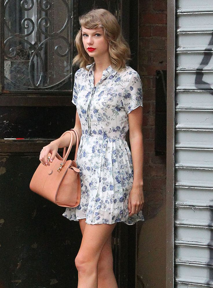 BREAKING NEWS: Taylor Swift Walked To The Gym In A Floral Dress, Do YOU Think She Saw Selena Gomez's Nipples In Brooklyn? - http://oceanup.com/2014/07/09/breaking-news-taylor-swift-walked-to-the-gym-in-a-floral-dress-do-you-think-she-saw-selena-gomezs-nipples-in-brooklyn/