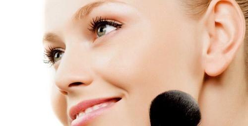 Trucos De Maquillaje Natural Y Juvenil.  Las chicas jóvenes son las que siempre están más pendiente de las últimas tendencias de moda y por supuesto que las ultimas de estilo de maquillaje, es por ello que actualmente ya se han visto muchas chicas ... Ver más aquí: https://pasosparamaquillarse.com/trucos-de-maquillaje-natural-y-juvenil/