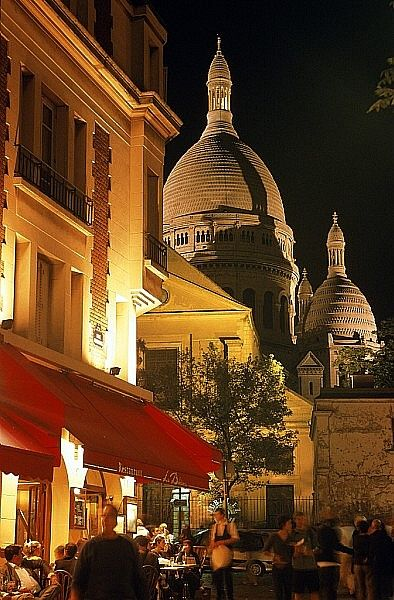 Montmartre in the background. Paris...: Favorite Places, Beauty Photo, Sacred Coeur, Paris France, Montmartre I, Travel, Mariage Parisien, Jaime Paris, Montmartre Paris