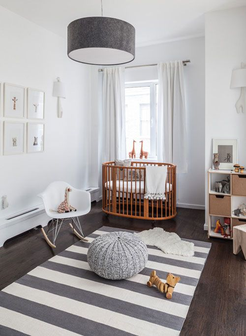 Grey and white nursery.  A monochrome  blanket from bear cubs store would look wonderful  in this room.