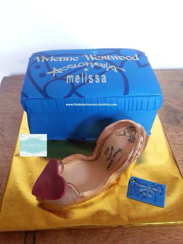 Fondand gumpaste shoe!!