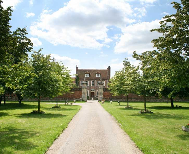 Dower House, home of Violet (Byfleet Manor, designed by Christopher Wren) can't wait to go there!!!