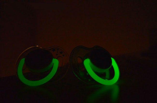 Orthodontic Glow In The Dark Pacifier   MyBabyNeedThis