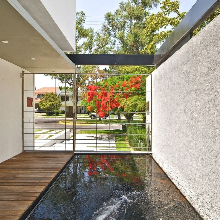 Contemporary G House by Agraz Architects - http://www.adelto.co.uk/contemporary-g-house-by-agraz-architects