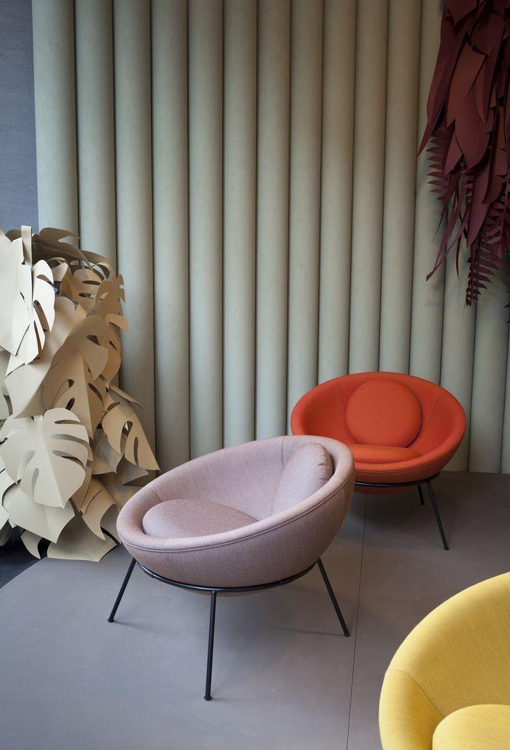 14/03/2014 -Dal 6 Marzo 2014 la Bardi's Bowl Chair arriva in esclusiva italiana da Spotti Milano: nello storico showroom in Viale Piave sa