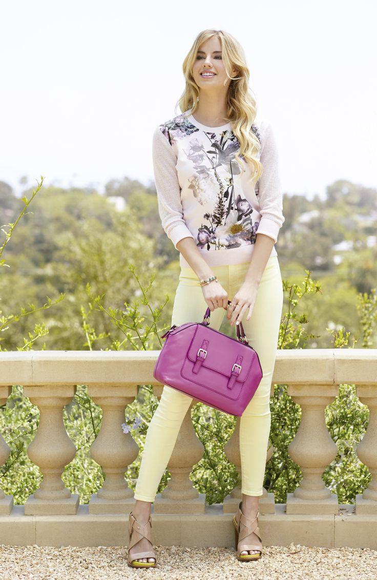 Para esta primavera elige prendas y accesorios con los que te sientas cómoda. Los colores pastel son tu mejor opción  para los días en los que el clima cálido se hace presente. #IntoTheGarden #Primavera2016