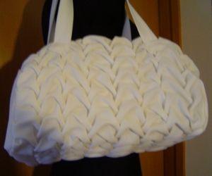 White bag, whit canadian smocking