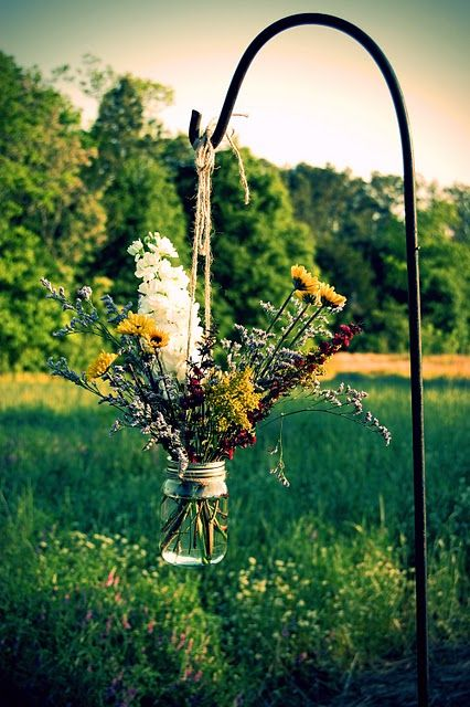 great idea for using that shepherds hook.. think wedding, think BBQ, think... well... think anything outside that you want to jazz up!! :)