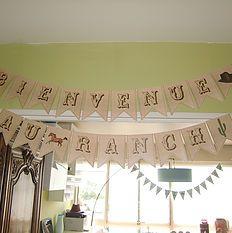 Banderole personnalisée Buffet thème Ranch. MarieRêve crée et réalise vos décorations personnalisées, votre Buffet Douceur ou Bar à bonbons pour fête, anniversaire, mariage, baptême, baby-shower... http://mariereve7.wix.com/mariereve