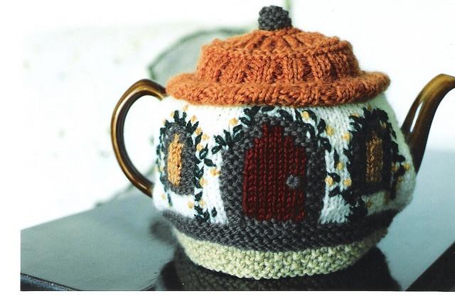 cutest tea cosy ever.