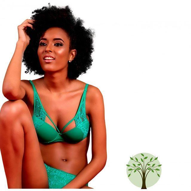 A cor que vai inspirar a sua vontade de contato com a natureza, além de estar na moda,afinal o verde é a cor do inverno 2017!  #green #lingerie #cor #natureza